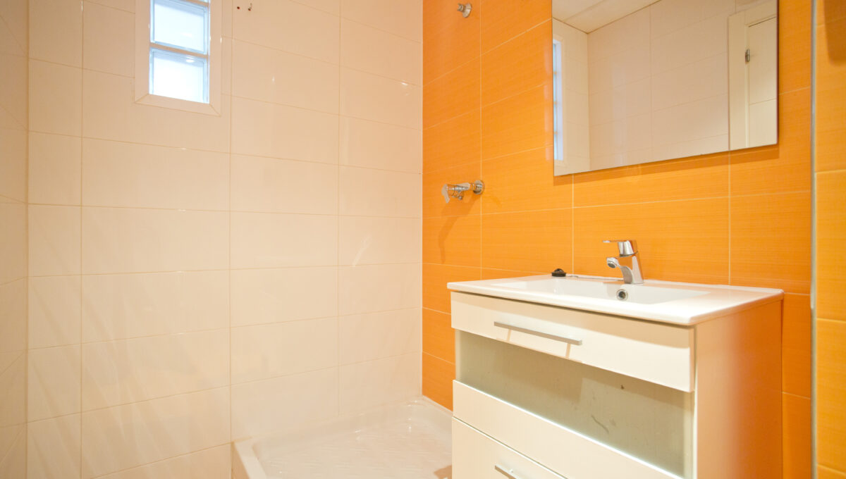 560-3psp_bathroom_5