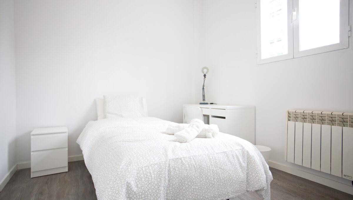 560-3psp_bedroom_3