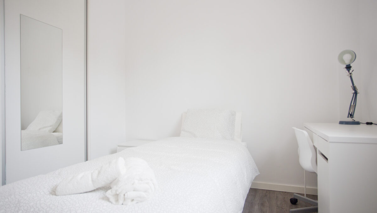560-3psp_bedroom_4